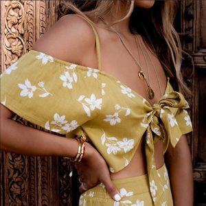 BILLABONG Floral Yellow Tie Front Crop Top